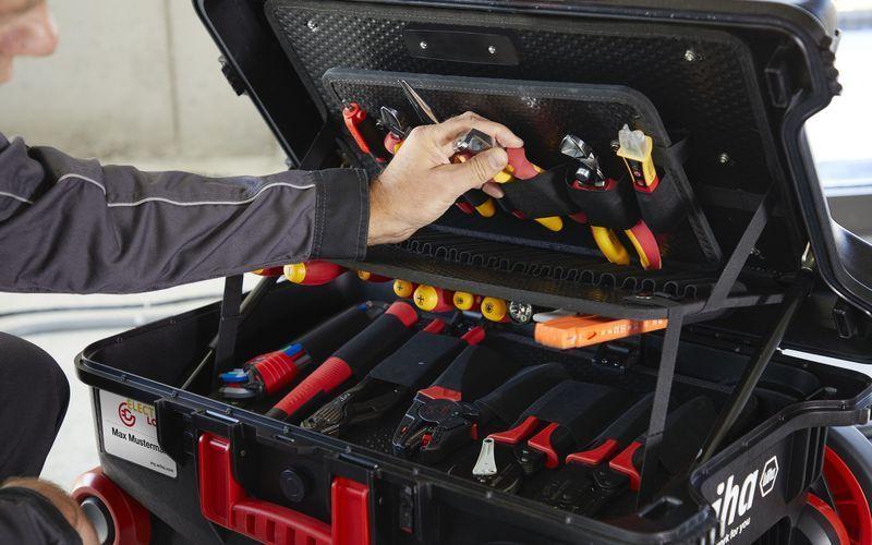 Набор инструментов Wiha Electric XXL III в помощь профессионалу
