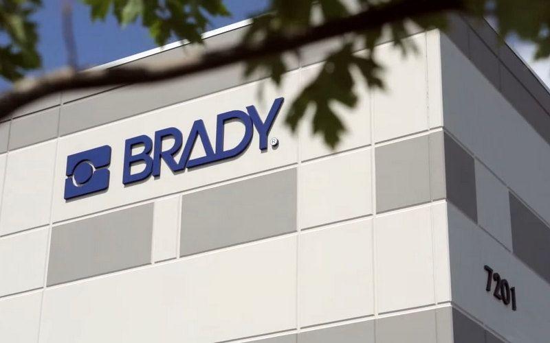 Продажи Brady выросли на 22 процента в 4 финансовом квартале 2021 год