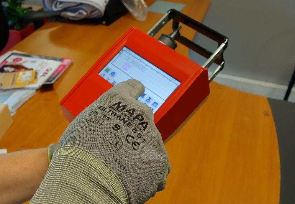 sic-e-touch-usage-02.jpg